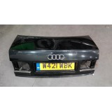 Tagaluuk Audi A8 D2 2001