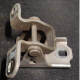 Ukse hing vasak eesmine alumine Opel Insignia 2011 ES03 A046574