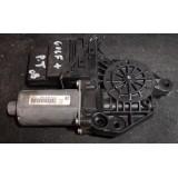 Aknatõstuki mootor koos juhtplokiga parem tagumine Volkswagen Golf Plus 2008 5K0839402C 1K0959704K