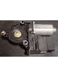 Aknatõstuki mootor koos juhtplokiga vasak tagumine Volkswagen Golf Plus 2008 5M0839401C 0130821431 1K0959703K