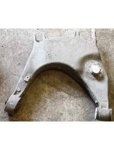 Õõtshoob vasak tagumine alumine Audi A8 D2 4D0511515H