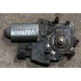 Aknatõstuki mootor parem eesmine Audi A6 4B0959802E 0130821774