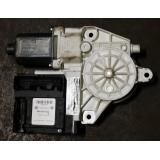 Aknatõstuki mootor vasak eesmine Audi A3 2007 8P0959802