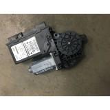 Aknatõstuki mootor + juhtplokk parem eesmine Audi A4 B7 Avant 2006 8E2959802B 102236-XXX