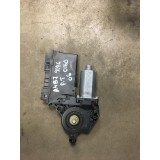 Aknatõstuki mootor + juhtplokk parem tagumine Audi A4 B7 Avant 2006 8E0959802A 130821766