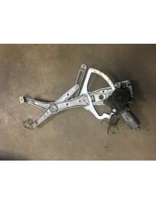 Aknatõstuk mootoriga parem eesmine Mercedes W202 C200 1998 119153-XXX